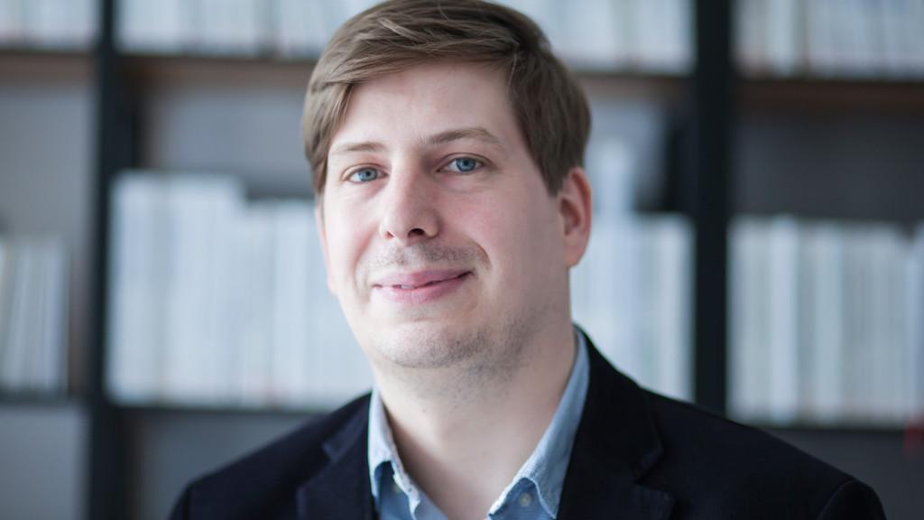 Artikel: Der Schwerpunkt liegt auf der geprüften Fachinformation - Henrik Nitsche vom Walhalla Verlag